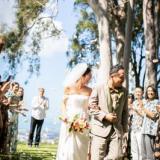 ご友人が作った衣装で迎える結婚式。