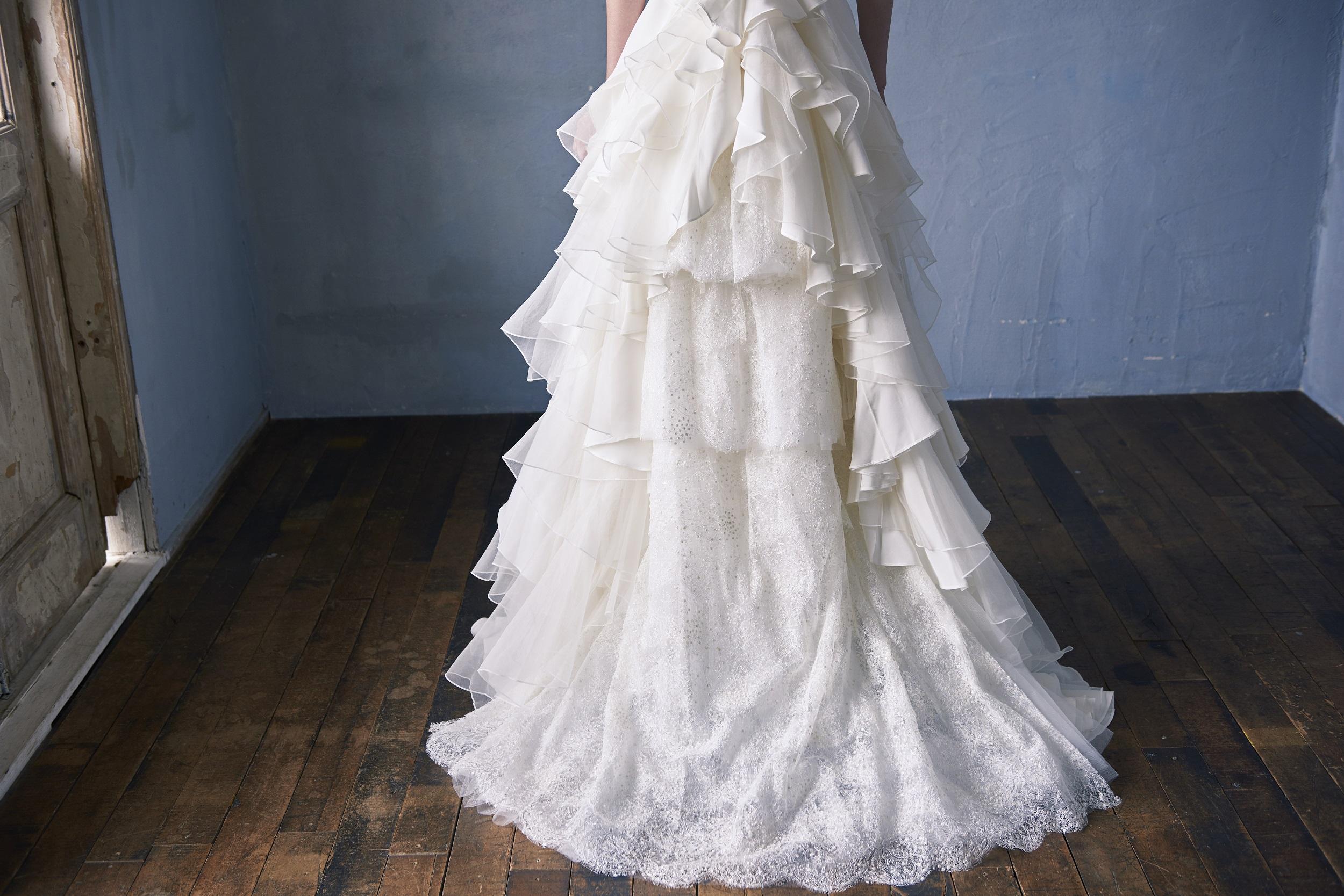 サカヨリ×クリオマリアージュ美しいウエディングドレス